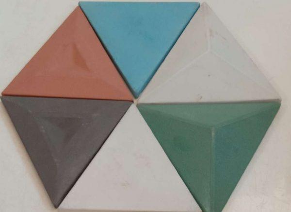 Mozaik Dinding Concrete Segi Tiga Variasi Mix